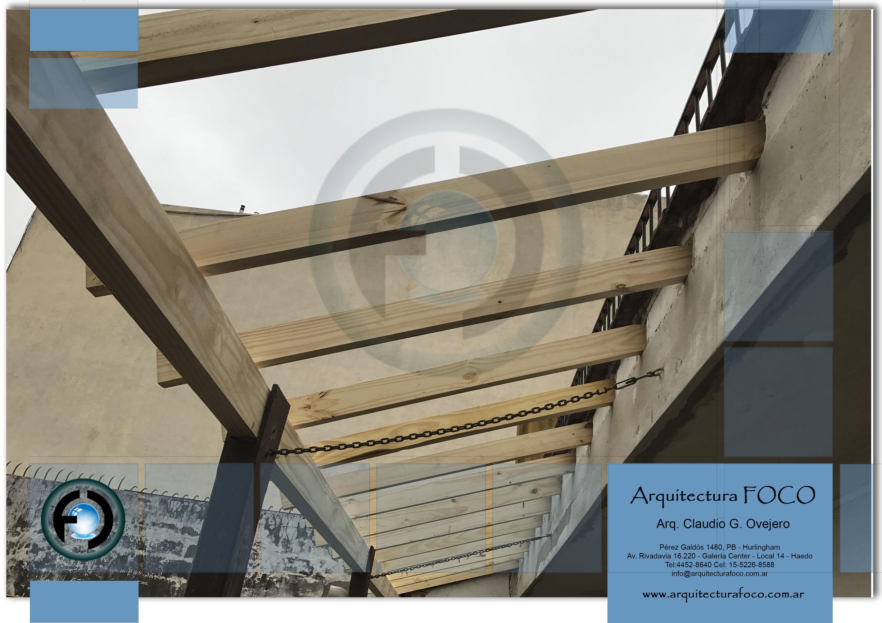 Armado de techos de galería con tejas francesas en Devoto, Buenos Aires. Argentina.