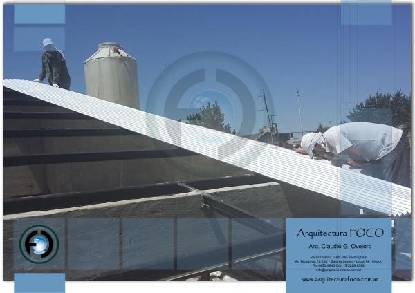 Armado de techo estructural de chapa en Ituzaingó, Buenos Aires, Argentina.