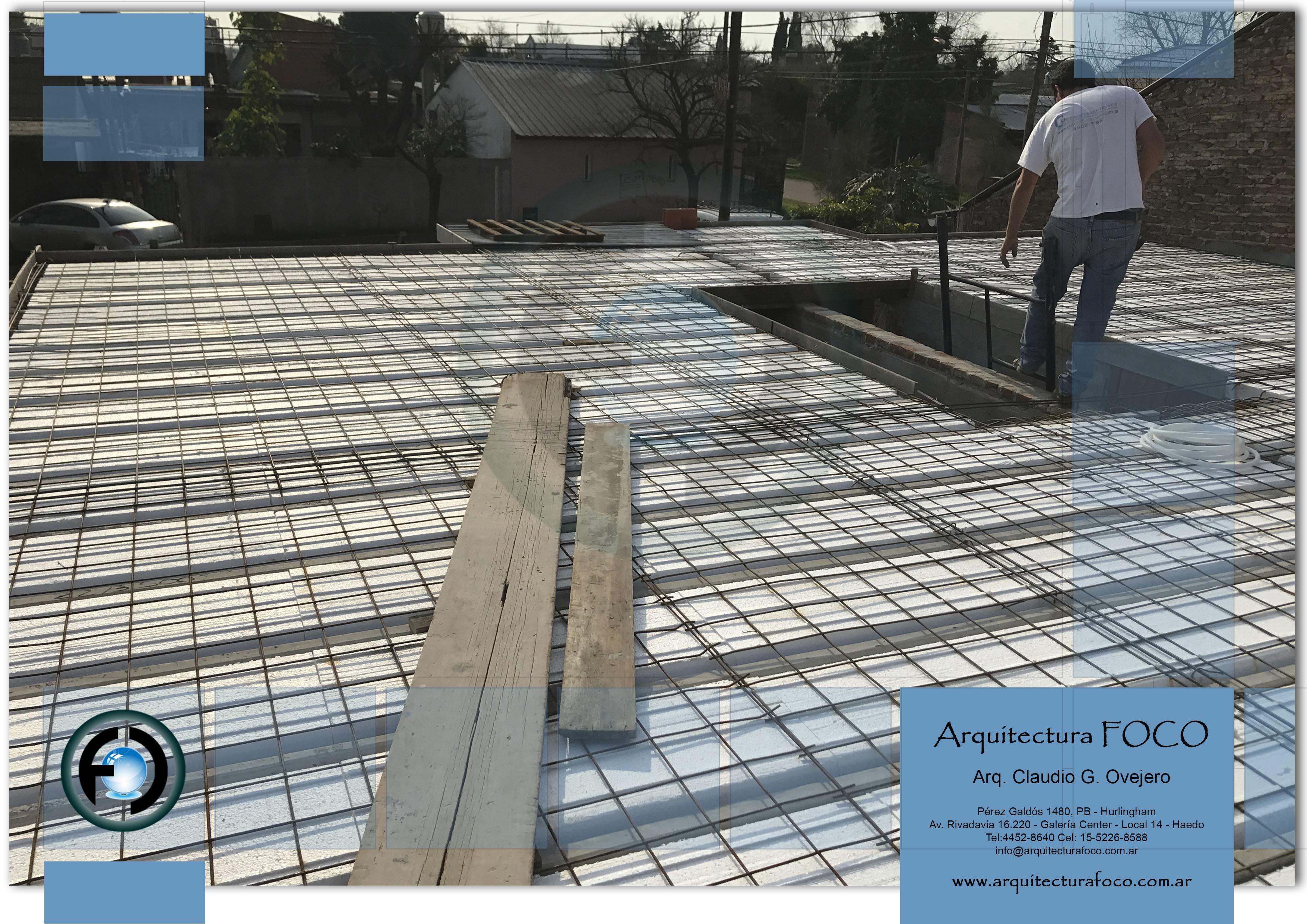 Palomar, Buenos Aires. Construcción de techo de viguetas pretensadas.