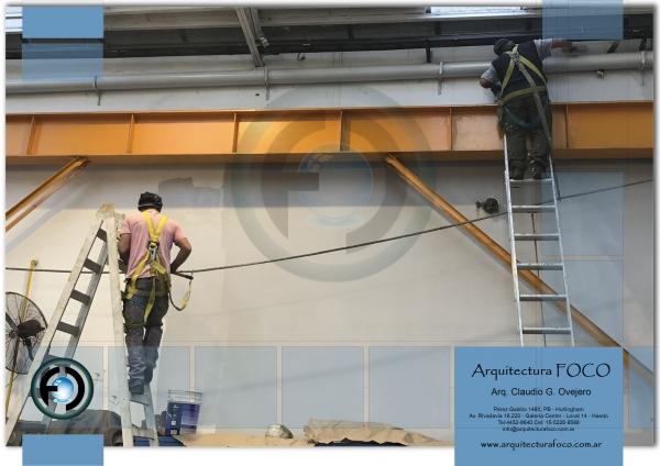 Trabajos de pintura en altura en empresa de San Justo y Caseros, Buenos Aires.